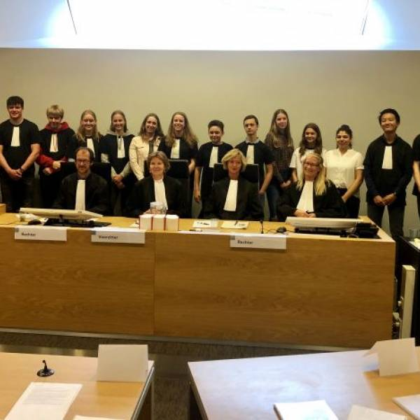 Leerlingen BSG-Jongerenrechtbank beëdigd